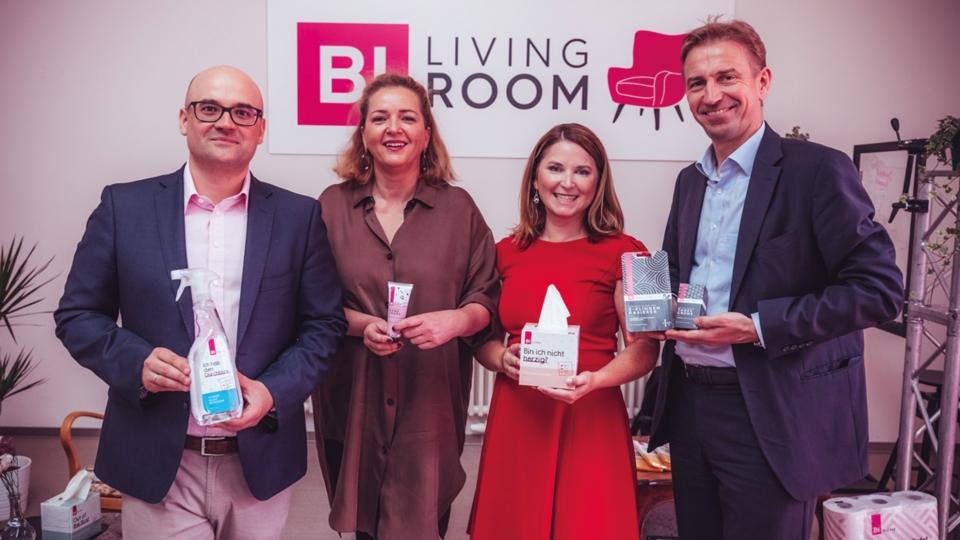 Michael Paterno (BIPA GF), Sigrid Krupica (CEO Grayling), Claudia Baumschlager (BIPA Marketingleitung) und Thomas Lichtblau (BIPA GF)