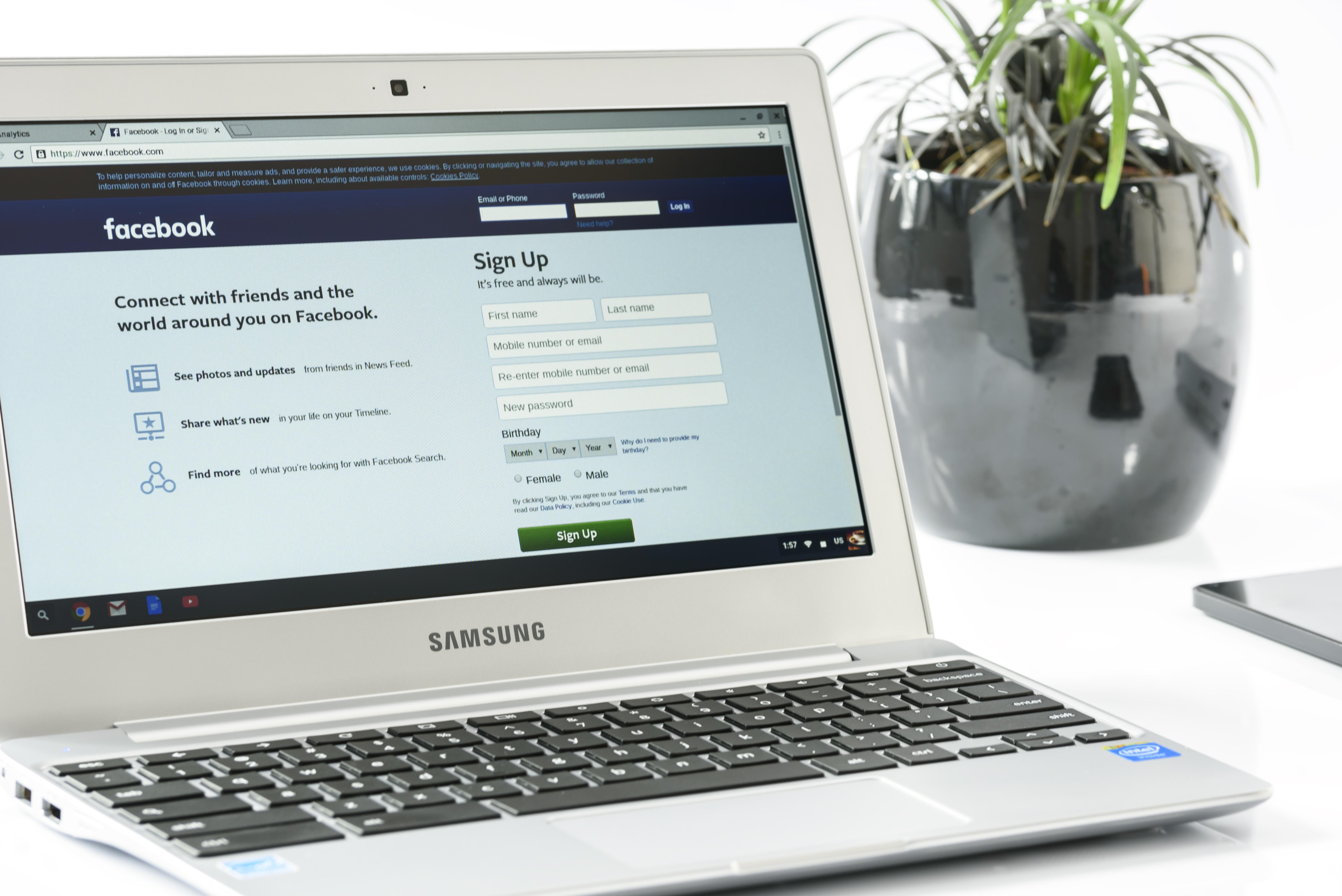 Datenskandal kostet Facebook 4,4 Mrd. Euro