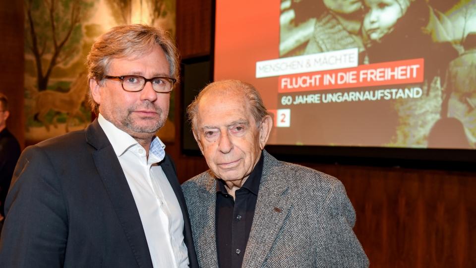 ORF-Generaldirektor Alexander Wrabetz mit Paul Lendvai anlässlich der ORF-Dokumentation über den Ungarnaufstand