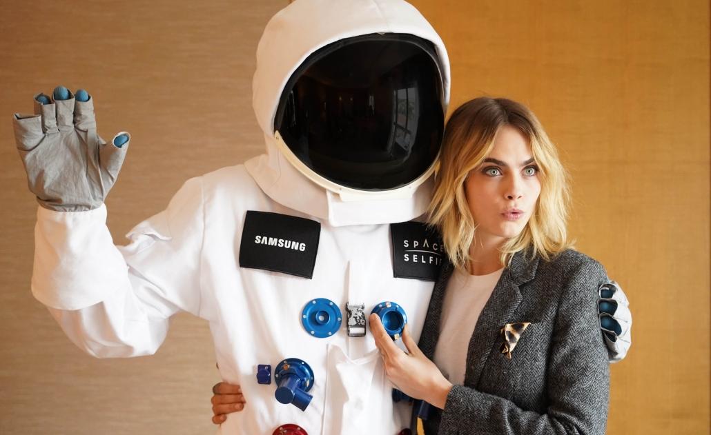 Samsung SpaceSelfie CaraDelevingne 02 17. Juni 2021