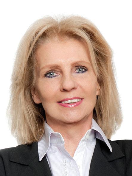 Claudia Volak Portrait 1 14. Juni 2021